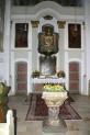 11-Altar mit Taufstein