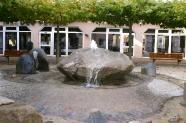 06-Brunnen