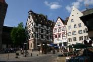 02-Pilatushaus mit Duererplatz